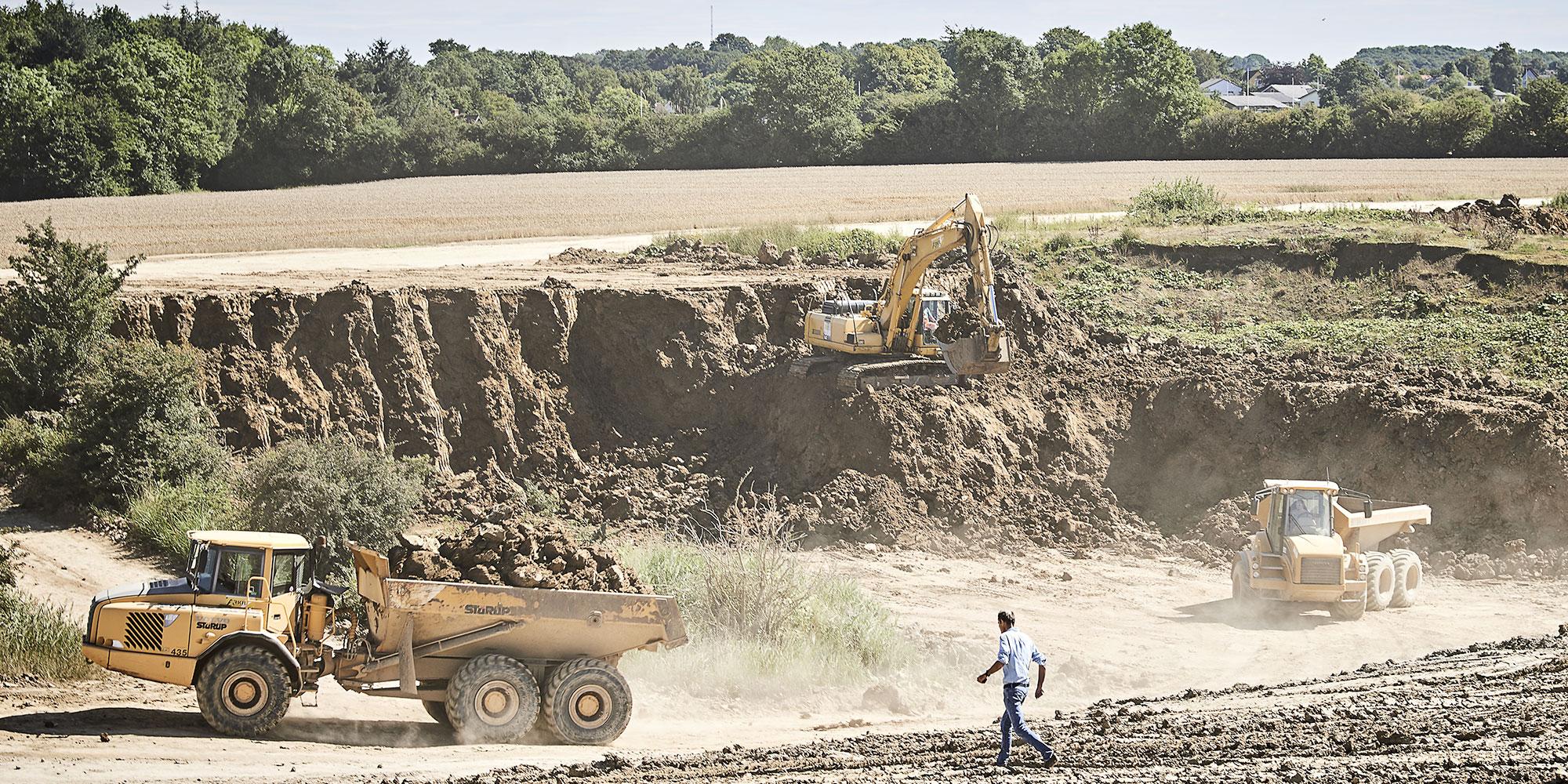 Gräva upp lera