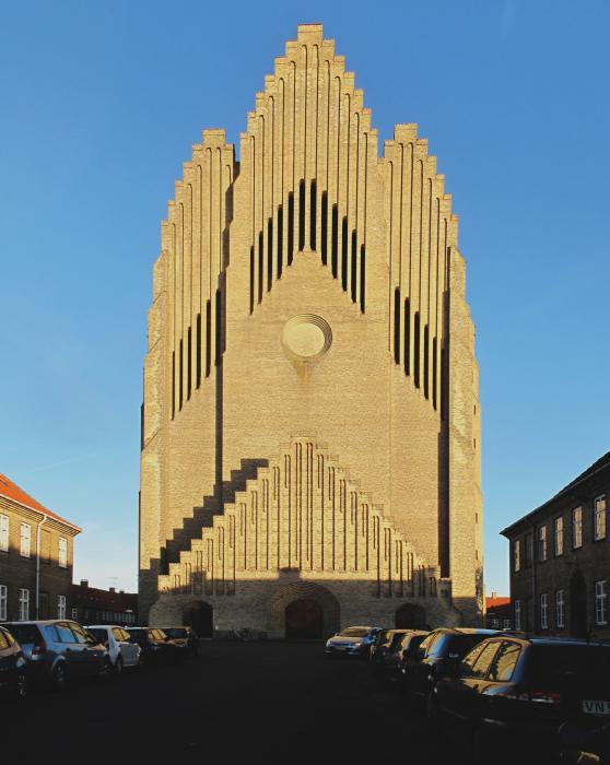 Grundtv kirke - Bygg i Tegel